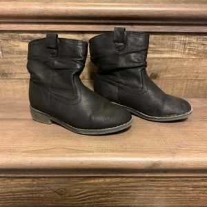 Girls black boots size 11 youth